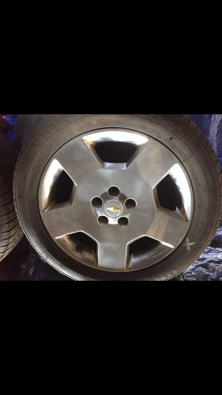 selling 2006 impala ss oem wheels and tires chevy impala. Black Bedroom Furniture Sets. Home Design Ideas