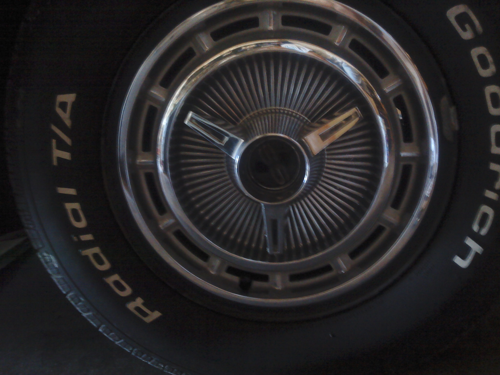 "14"" impala ss hubcaps,rims and newtires-ss-hubcaps.jpg"